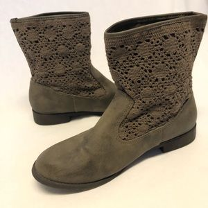 Jelly pop ankle boots size 8 booties